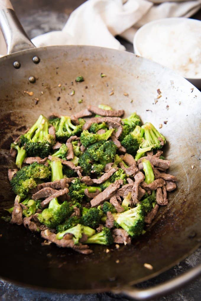 Easy classic chinese beef with broccoli house of nash eats this beef with broccoli has tender savory strips of thinly sliced beef with juicy forumfinder Image collections