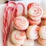 Peppermint Macarons | #ChristmasCookies