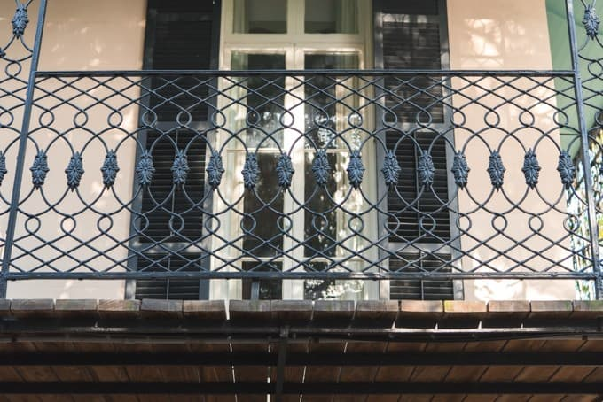 An image of a wrought iron balcony in Savannah, Georgia.