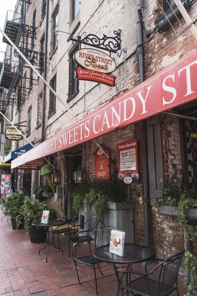 An image of the storefront of River Street Sweets in Savannah, Georgia.