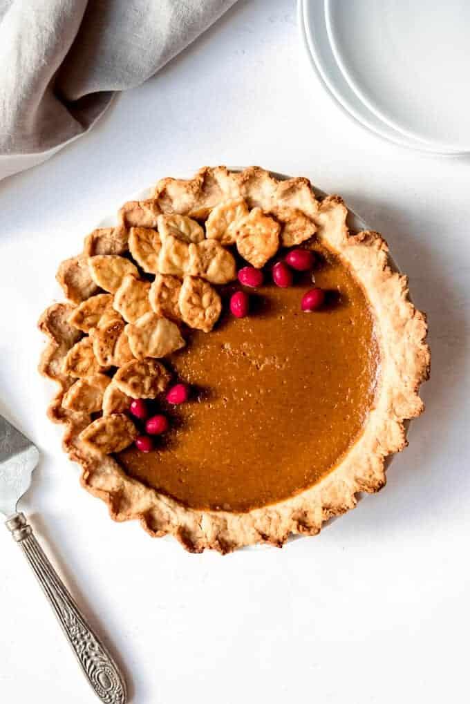 An image of a Thanksgiving pumpkin pie.