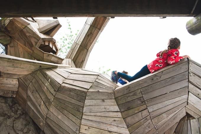 Oscar Under the Bridge sculpture in Denmark.