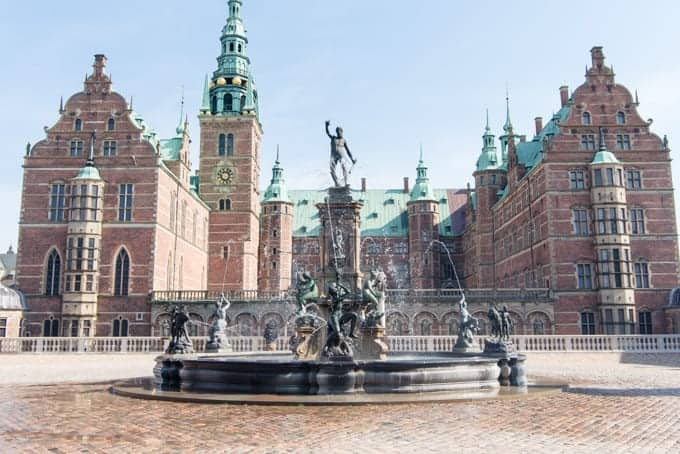 A fountain in front of Frederiksborg Castle.