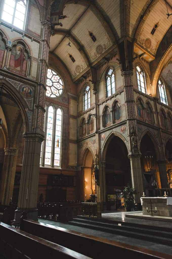 An image of the inside of a cathedral in Delft, Netherlands.