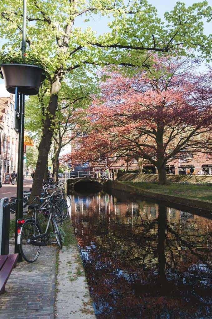 An image of a waterway in the city of Delft in the Netherlands.