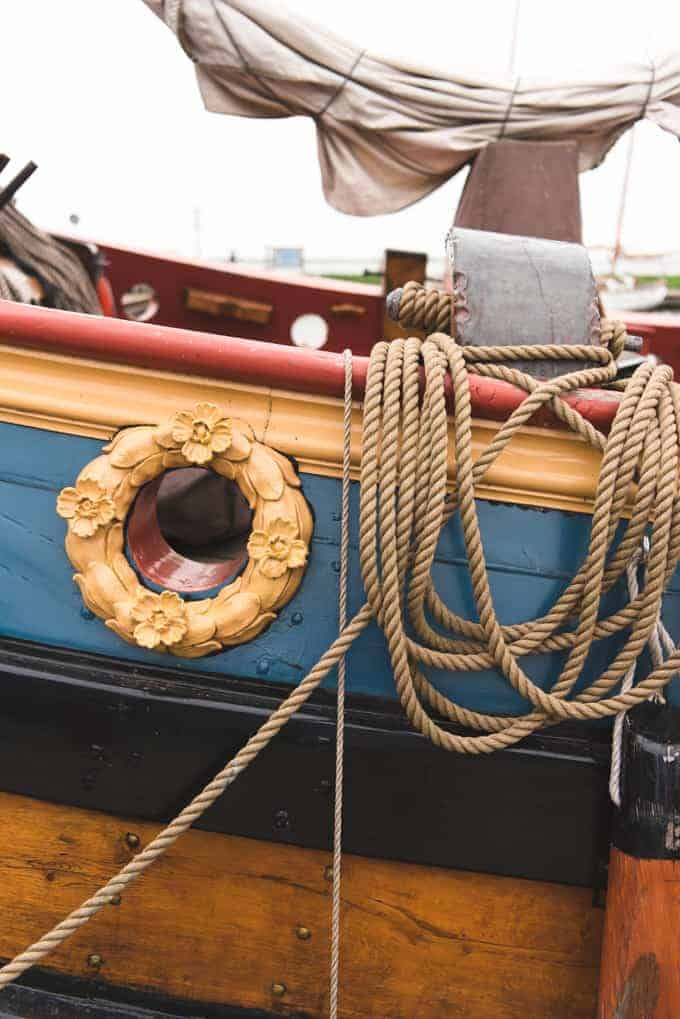 An image of rope on a ship in Volendam.