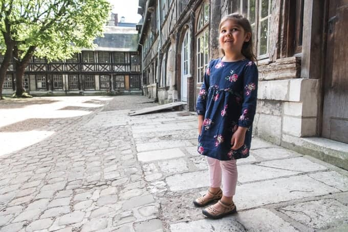 An image of a child in Rouen, France.