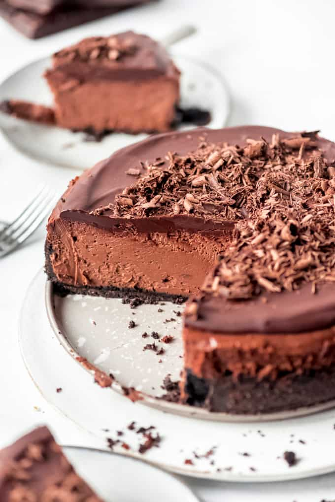 chocolate cheesecake being served