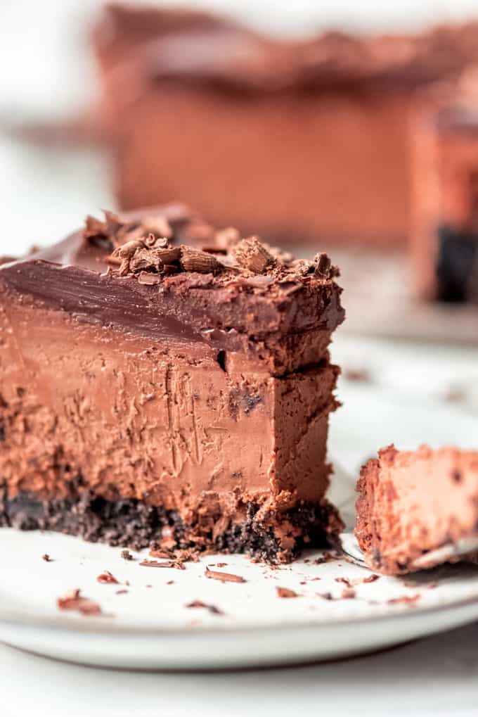side view of chocolate cheesecake