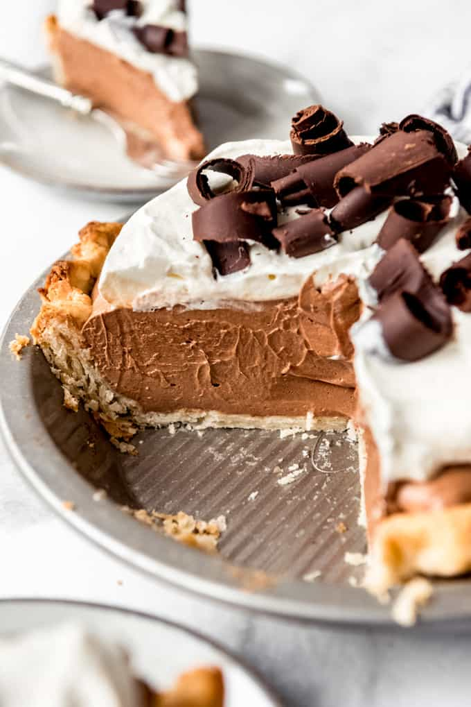 a side angle of chocolate mousse filling in a pie crust