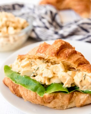 egg salad sandwich on a plate