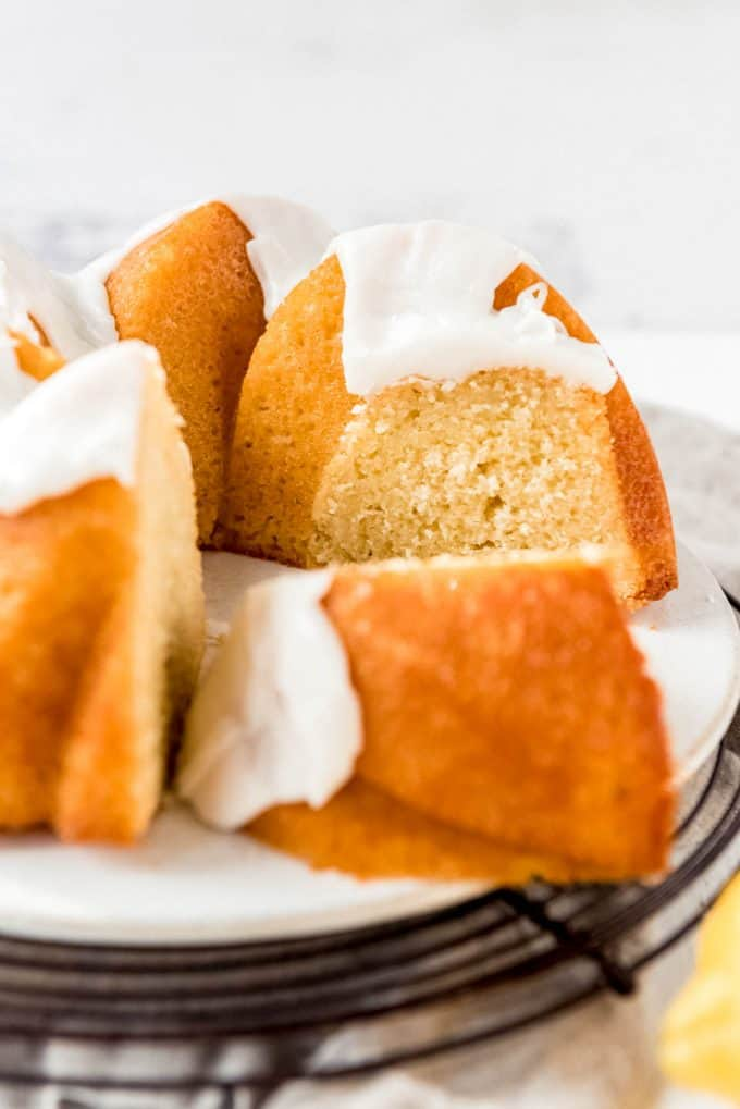 a side view of the tight crumb of a lemon pound cake made in a bundt pan