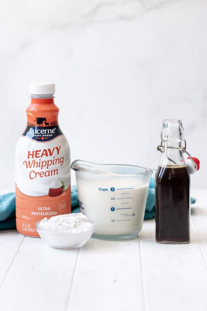 ingredients for homemade whipped cream